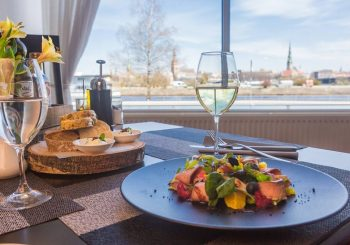 #рекомендации. Ужин с видом на Ригу