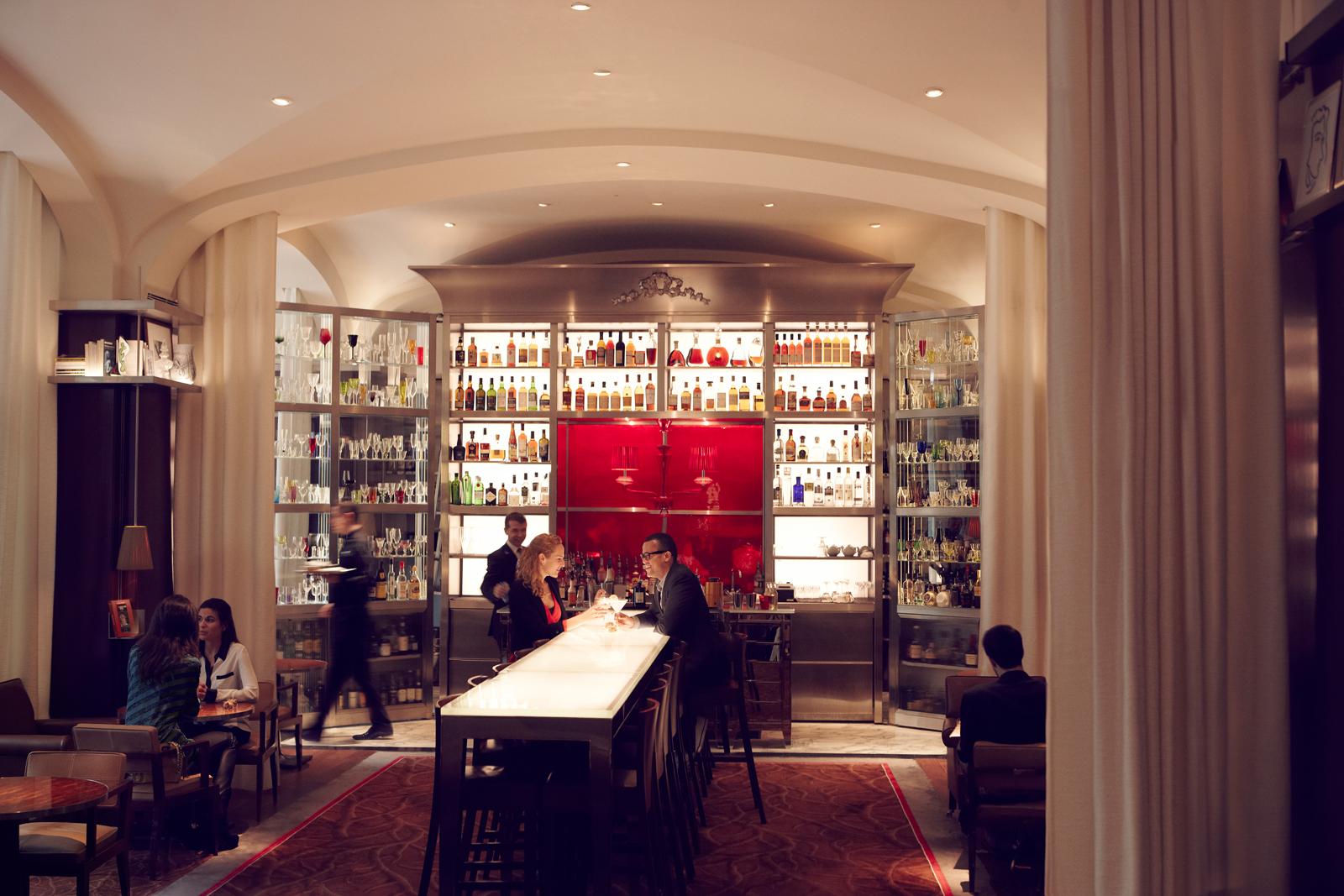 raffles-paris_le-bar-long