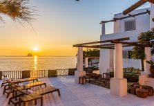 Вилла Дольче и Габбана на острове Стромболи выставлена на продажу