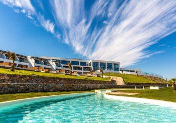 Abaton Island Resort & Spa на Крите знает, когда начнется летний сезон