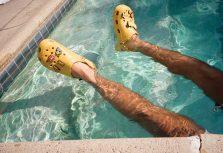 Crocs и Джастин Бибер представляют долгожданную коллаборацию