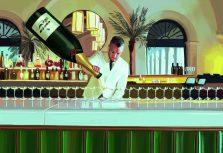 Истории Four Seasons Hotels and Resorts в картинках