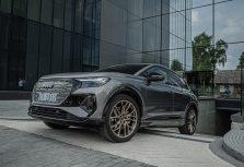 Audi Q4 e-tron теперь и в Латвии
