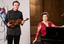 Праздничный музыкальный концерт «Агнесе Эглиня и Даниил Булаев» на канале ReTV.