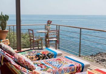 Легендарный Club Dauphin отеля Grand-Hôtel du Cap-Ferrat, A Four Seasons Hotel представляет пляжную зону от Dolce&Gabbana