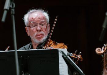 В концертном зале «Дзинтари» Kremerata Baltica отметили 25-летие оркестра и 75-летие скрипача Гидона Кремера