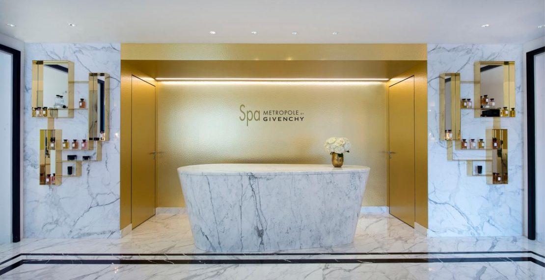 Анти-возрастная йога для лица в отеле Metropole Monte-Carlo