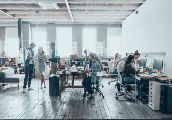 Исследование: у трети офисных работников внешний шум повышает уровень стресса