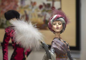 В рижском Музее моды пройдет выставка авторских кукол «История моды».