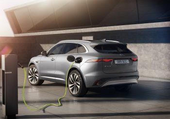 Новый Jaguar F-PACE: роскошный, интеллектуальный, электрофицированный