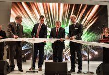 Презентацией эксклюзивных автомобилей открыт крупнейший в Балтии автоцентр Jaguar Land Rover