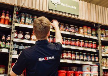 Maxima предлагает летом 382 рабочих места для cтаршеклассников