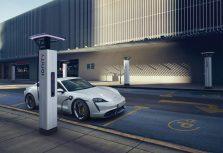 Мировая премьера Porsche Taycan: рационально переосмысленный спорткар