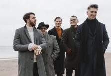 Группа Rock'n'Berries дебютирует с песней на русском языке