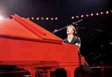 Талантливый Стивен Ридли даст в Юрмале сольный концерт и настоящий моно-спектакль