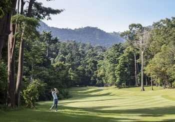 На гольф в Малазию