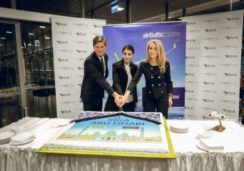 airBaltic отправил в Абу-Даби  свой первый рейс