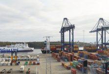 Stena Line переезжает в порт Норвик возле Стокгольма