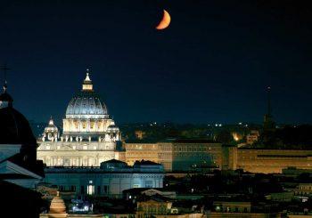 Ночью в тихих улочках Рима…