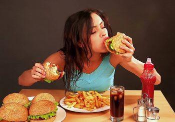 Приближается сезон еды. Большинство жителей признают, что в холодное время начинают больше есть