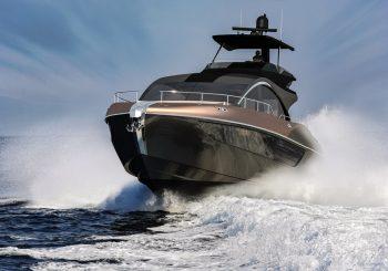 Lexus выходит в море