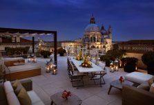 Йога на крыше и солнечные ванны в отеле The Gritti Palace, a Luxury Collection Hotel, Venice