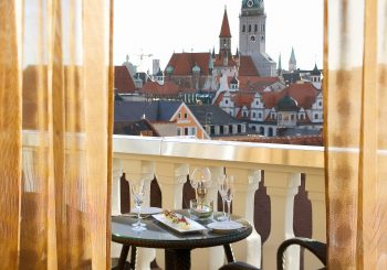Mandarin Oriental, Мюнхен: с корабля на бал