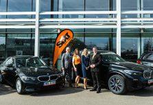 """Группа BMW  передает новые автомобили BMW X5 и BMW 3-й серии компании """"Sixt"""""""
