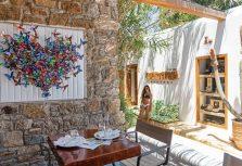 На греческом острове Миконос открылась Nammos Village