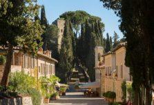 Отель Castiglion del Bosco в Тоскане обьявил о сотрудничестве со старейшей итальянской аптекой Officina Profumo Farmaceutica di Santa Maria Novella